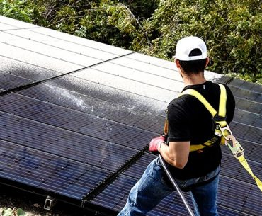 Image for Avoid these common mistakes while cleaning solar panels